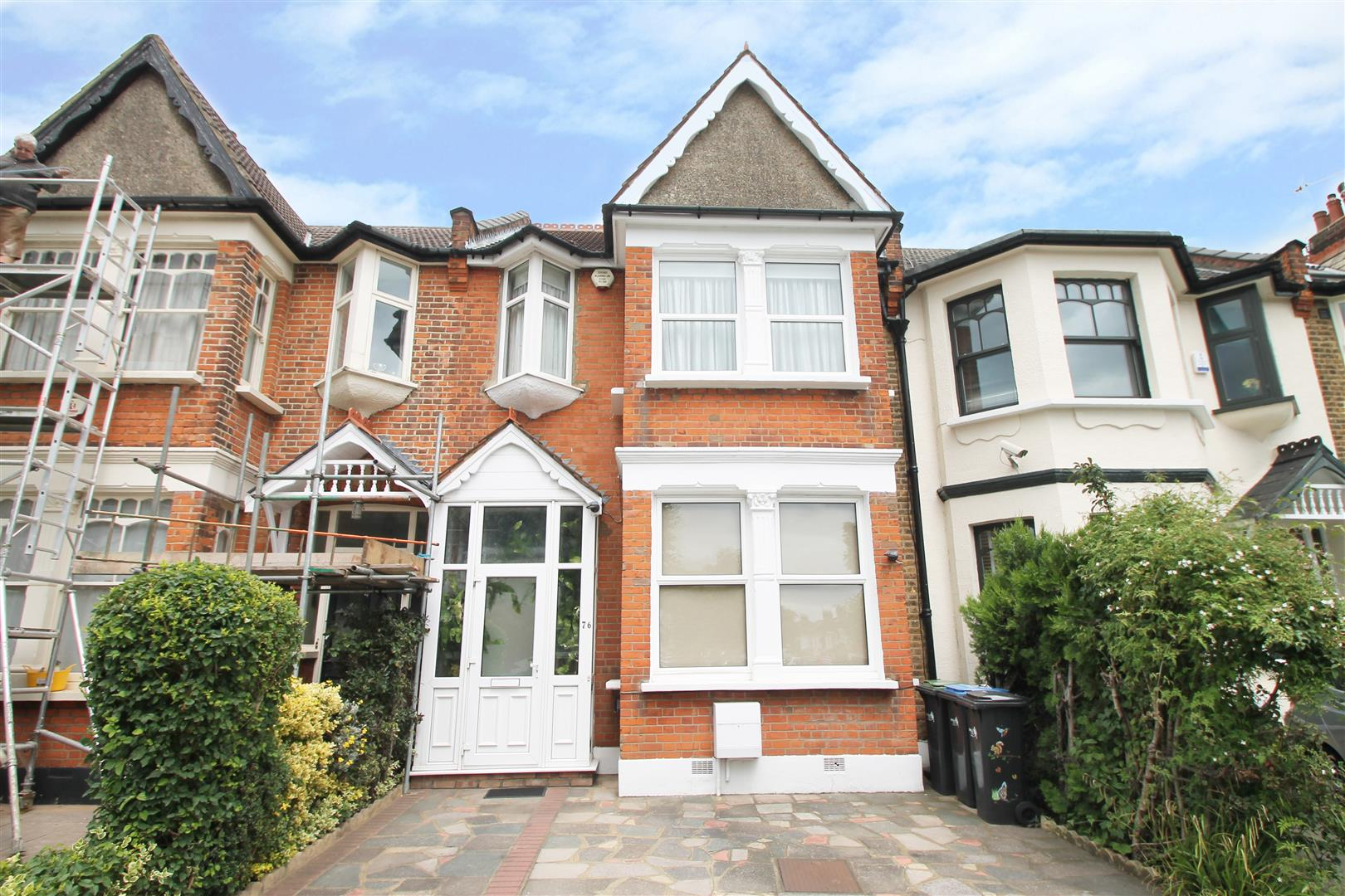 4 Bedrooms House for sale in Hazelwood Lane, London N13